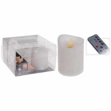 1x led kaars / stompkaars wit kleurig met afstandsbediening