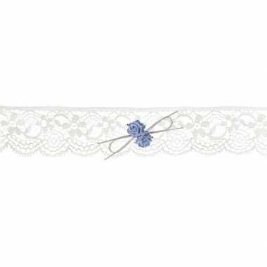 Feest bruids kousenband met blauwe roosjes