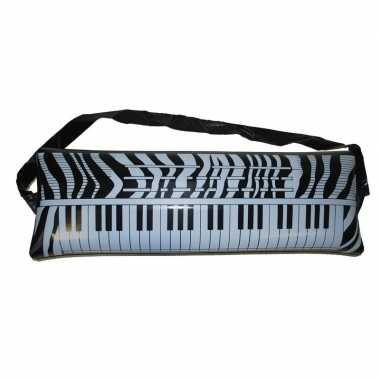 Feest keyboard die je op kunt blazen