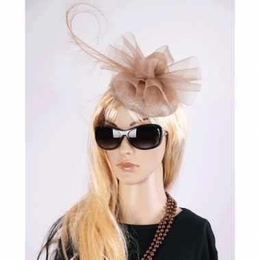 Feest koninginnen hoeden christina champagnekleur