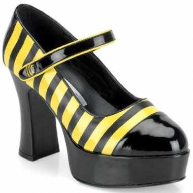 Feest thema schoenen bijtje