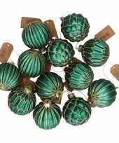Feest 12x emerald groene glazen kerstballen met gouden decoratie 6 cm