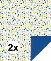 Feest 2x inpakpapier cadeaupapier confetti 200 x 70 cm gekleurd