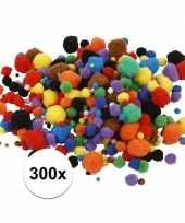 Feest 300x knutsel pompons 15 40 mm kleuren