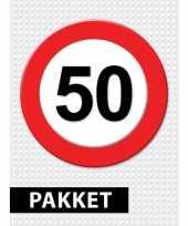 Feest 50 jarige verkeerbord decoratie pakket