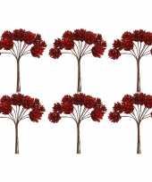 Feest 6x kerststukje instekers bosje van 12 rode dennenappels op draad