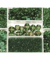 Feest bewaardoosje met donkergroene glaskralen