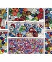 Feest bewaardoosje met gekleurde glaskralen