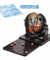 Feest bingo spel met molen en bingokaarten