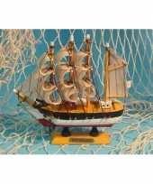Feest decoratie miniatuur zeilschip 16 cm