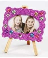 Feest diy fotolijstje knutselen met paarse klei