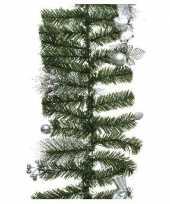 Feest groene kerst dennenslinger guirlande met zilveren versiering 180