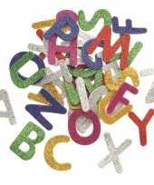 Feest hobby foam 52x foam rubberen glitter letters gekleurd