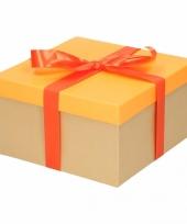 Feest kerst cadeautje oranje met oranje strik 21 cm