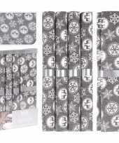 Feest kerstdiner diner tafeldecoratie tafellopers met 5x placemats grijs met sneeuwvlokken