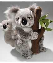 Feest knuffel koala met baby en boomstam 25 cm