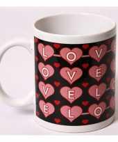 Feest koffiekopje met hartjes