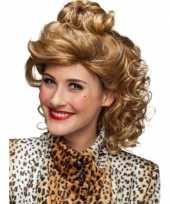 Feest krullenpruik dames blond met knotje