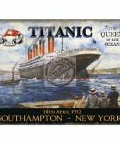 Feest metalen plaat met de titanic afgebeeld