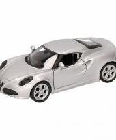 Feest speelgoed zilveren alfa romeo 4c 2013 auto 12 cm